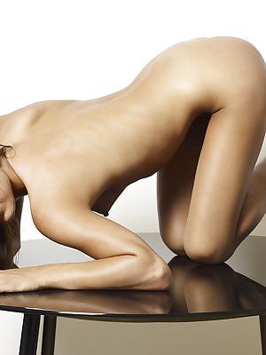 Via Nude Graphy