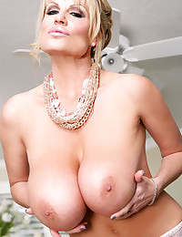 Kelly Madison Happy Feet