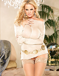 Kelly Madison Chaise Me