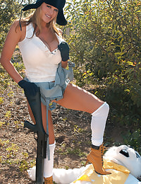 Kelly Madison Shootin Wabbits