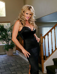 Kelly Madison Foyer Fun