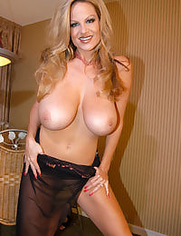 Kelly Madison Tit Play0