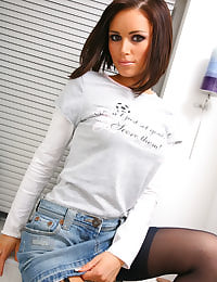 Gemma M slips out of her casual outfit and into the shower.