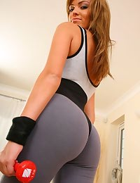 Sexy Kim B working out in tight gym kit.