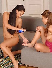 Two naughty babes feet fuking
