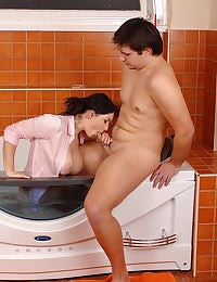 Nanny enjoys a bathtub blowjob