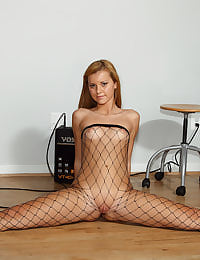 Rocker Girl Jessie Rogers in Fishnets Gets Spread and Licked  with her shaved pussy