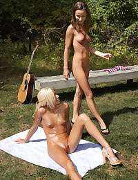 Kacey Jordan's Fistin' Picnic with her shaved pussy