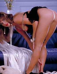 Glamour Nude Centerfold Racquel Darrian