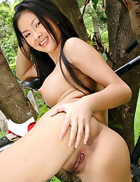 Asian jang jie ling 11 bike water wet shirt