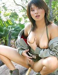 Asian gigie 04 army tools in vagina