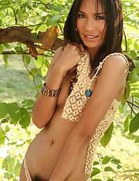 Donut Manatchanok Riverbank Nude Strip