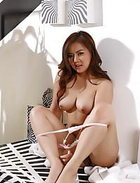 Asian gigie chui 03 laundry wet vagina spread