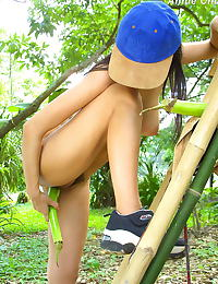 Asian annie chui 10 cucumber in vagina forest hanging