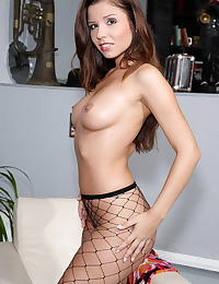 peaches 02 fishnet big labia clit speculum