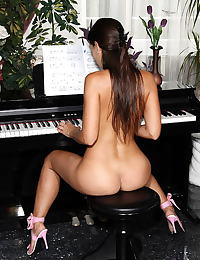 eve angel 08 naked piano teacher shaved cunt