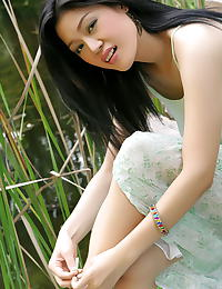 Asian ma yu jie 02 forest hanging tits