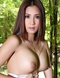 Topless Asian Sexy Girl Laila