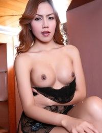 Nude Asiatic Sizzling Female Balloon