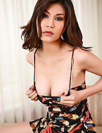 Natalie Wang erotic photo