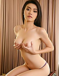 Christy Kee nude pics