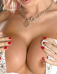 Brittany Andrews erotic photo