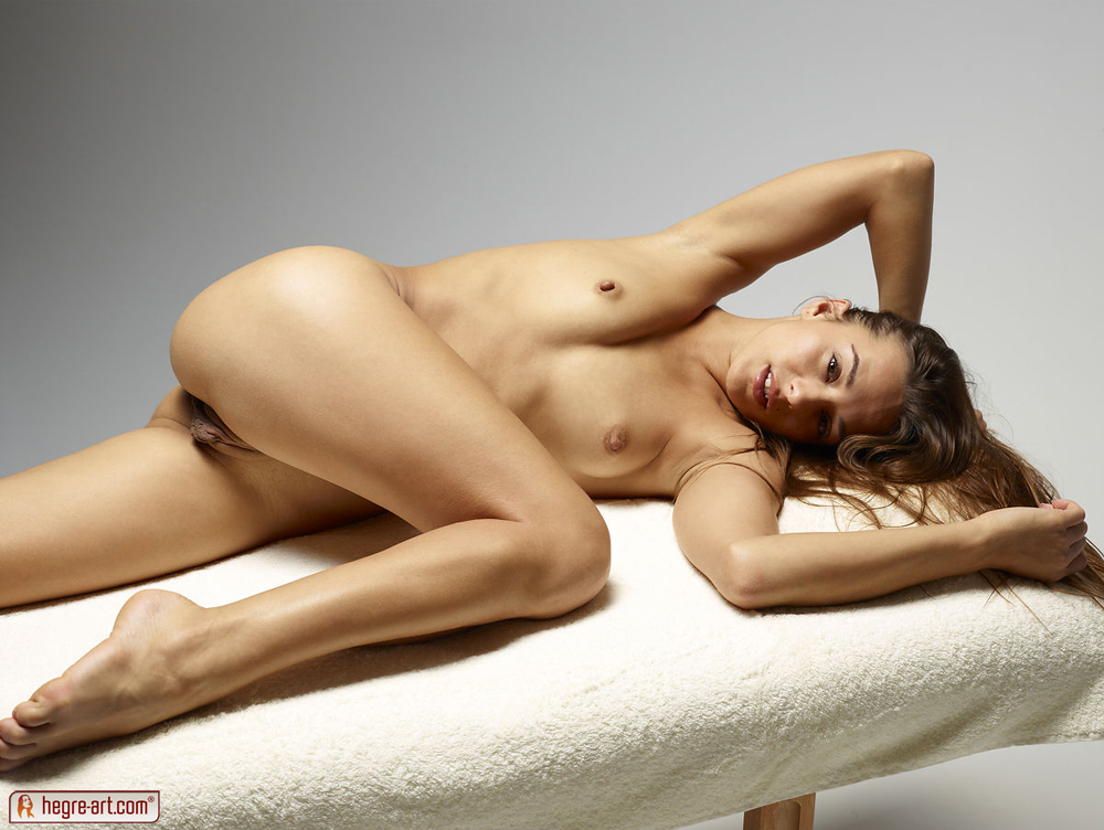 http://www.nude-photography.com/scj/thumbs/galleries/7/311/13_625.jpg