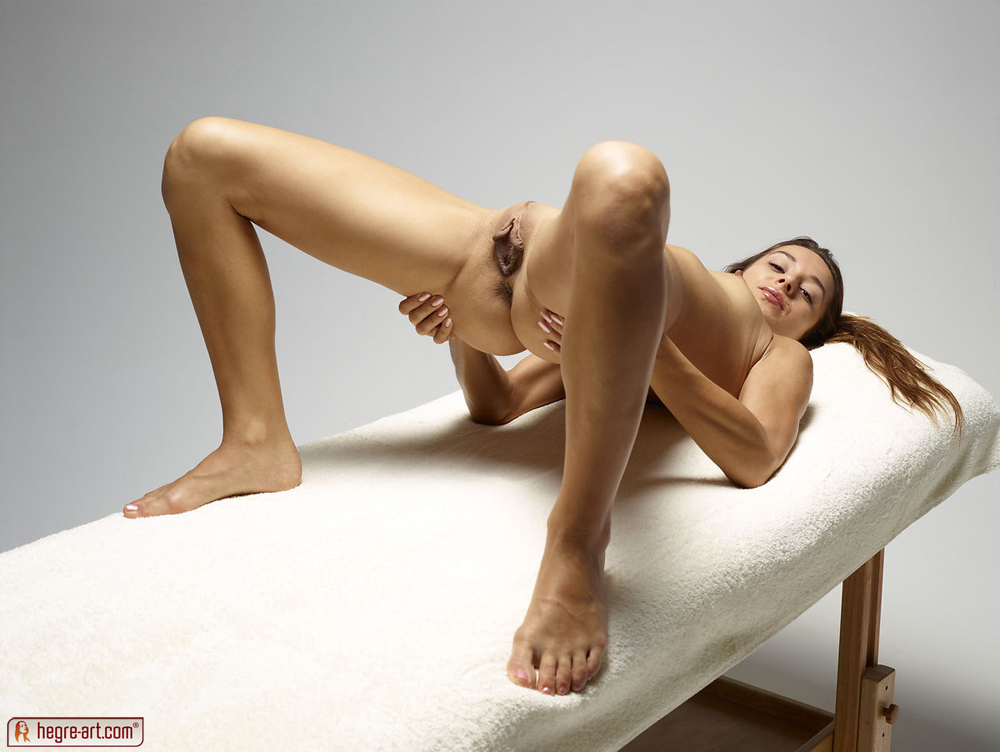 http://www.nude-photography.com/scj/thumbs/galleries/7/311/5_925.jpg