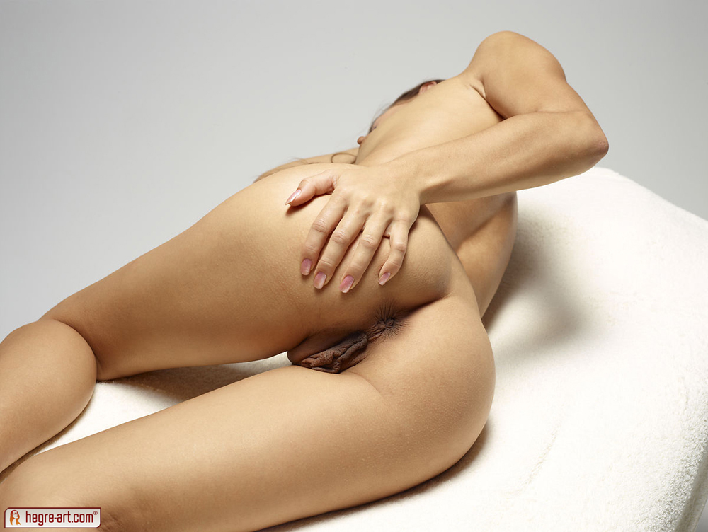 http://www.nude-photography.com/scj/thumbs/galleries/7/311/9_901.jpg